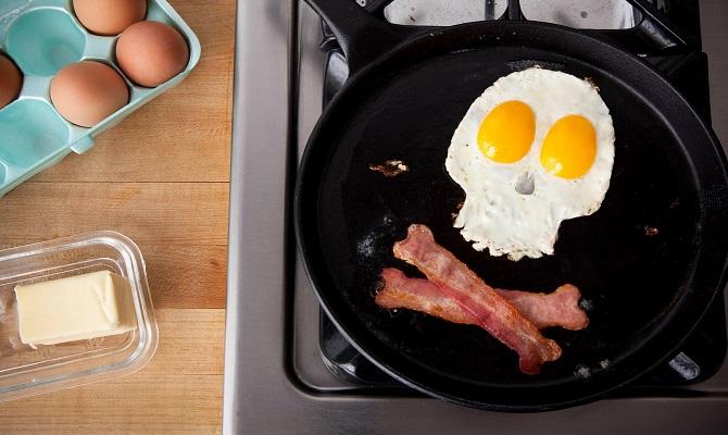10 признаков того, что с пищевым поведением человека что-то не так