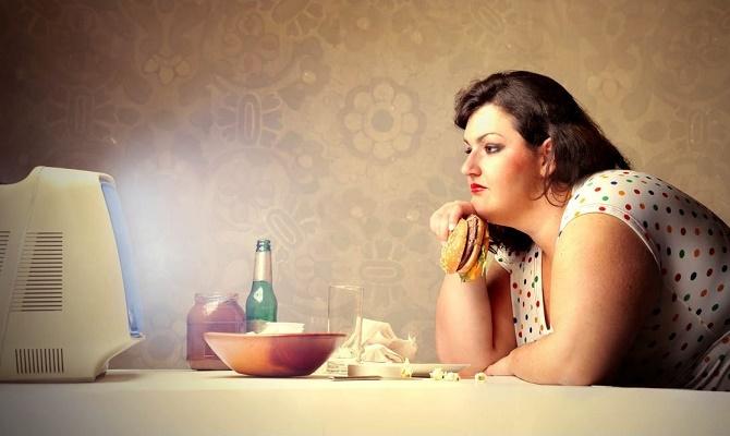 20 психологических причин переедания